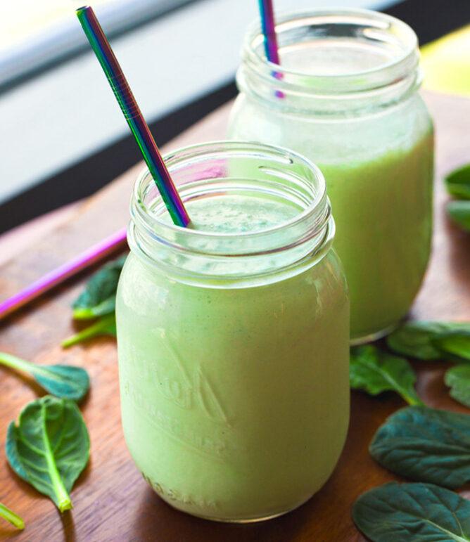 Vegan Green Smoothies (Pineapple Or Banana)