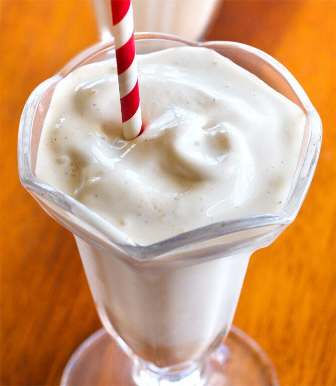 Vegan Vanilla Milkshake